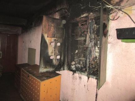 ВЯрославле вовремя пожара вмногоквартирном доме спасли 2-х молодых людей