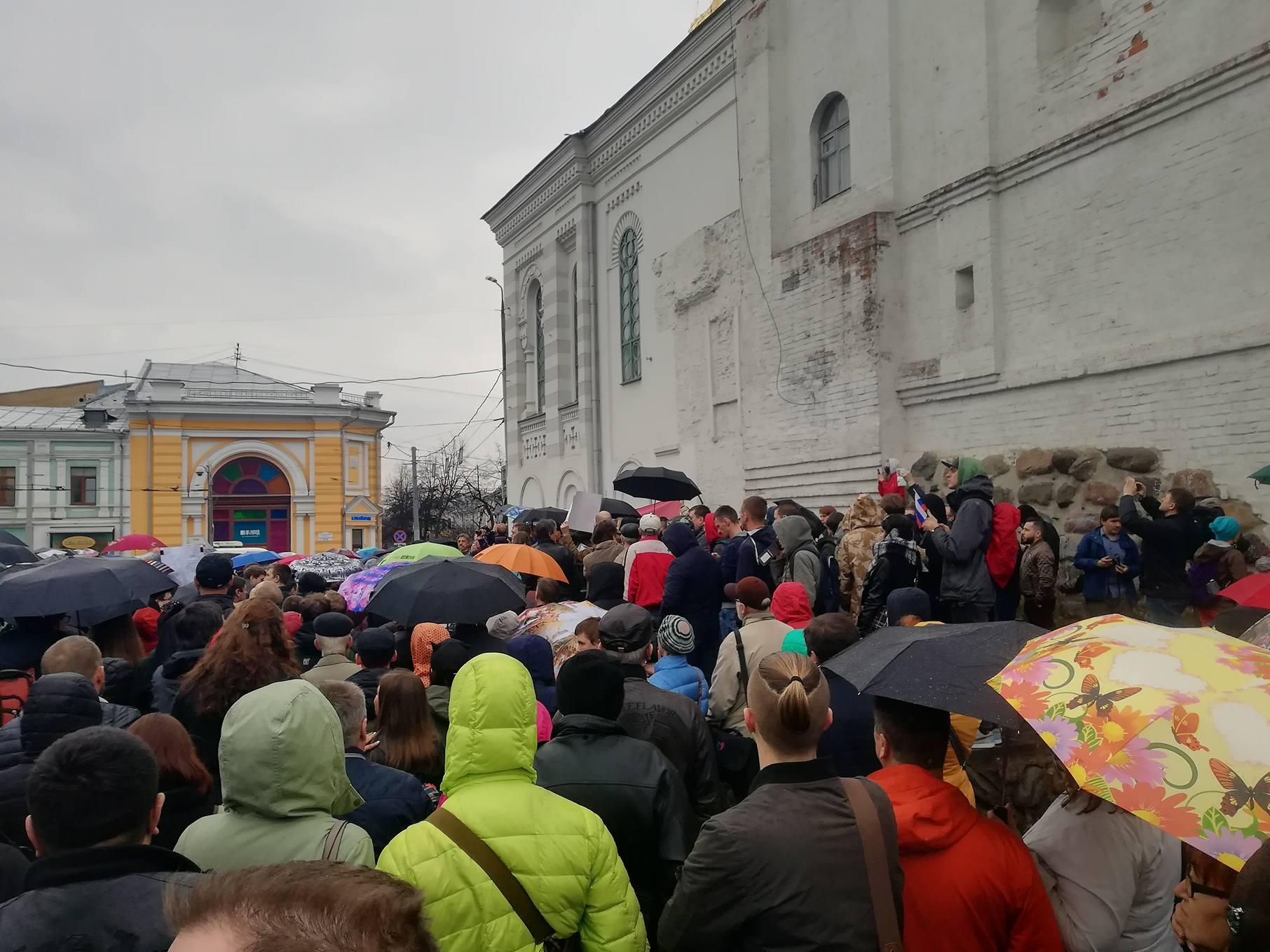Новый уровень развития событий: ярославцы митингуют против московского мусора